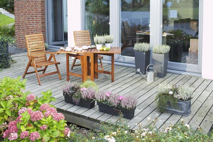 heide auf balkon und terrasse heidetrends. Black Bedroom Furniture Sets. Home Design Ideas